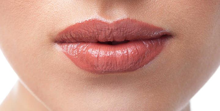 Augmentation des lèvres au Val d'Europe (77) par injections d'acide hyaluronique
